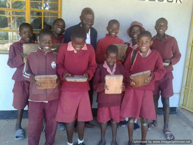 Jangano Children Play Mbira!